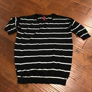H&M Black Striped 3/4 sleeve sweater Sz 4